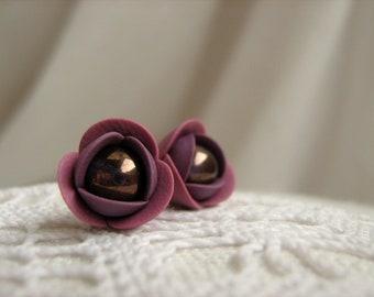 Polymer clay earrings - Purple violet rose flower small stud earrings with Czech glass beads