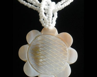 Natural Mother of Pearl MOP Shell Carved Flower Pendant Necklace GC1026