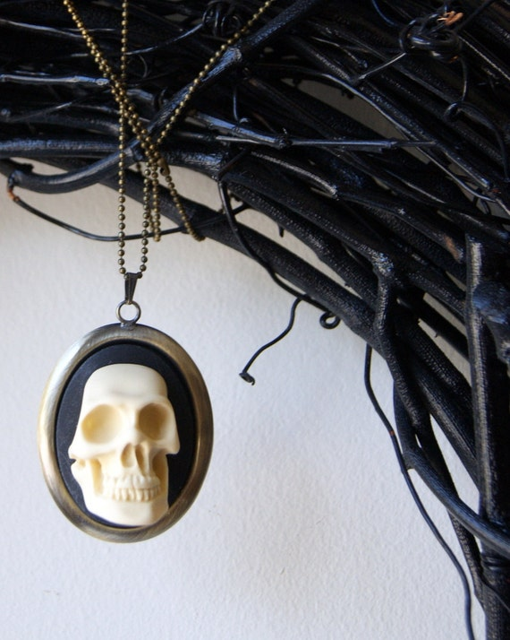 3 D Skull Necklace - Halloween jewelry, cameo jewelry, skull cameo pendant, ivory and black, unisex, Gift under 25