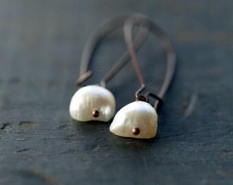 Pearl Dangle Earrings, Natural Freshwater Pearl Earrings, June Birthstone, Rustic Copper Earrings, Everyday Elegance, Dangle Earrings