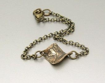 Minimal Bronze Bracelet, Petite Modern, Friendship Bracelet, Metal Chain Bracelet, Antiqued Chain Bracelet, Yoga Zen, Unusual Charm