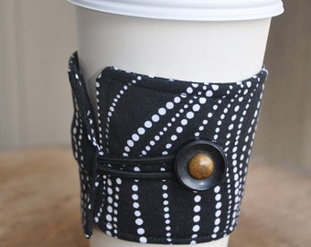 Coffee or Tea Wrap Around Sleeve in Black and White Dotted Swirl Weave Print