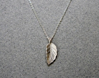 Sterling Silver Leaf Necklace / Simple Silver Necklace / Small Delicate Necklace / Nature Jewelry