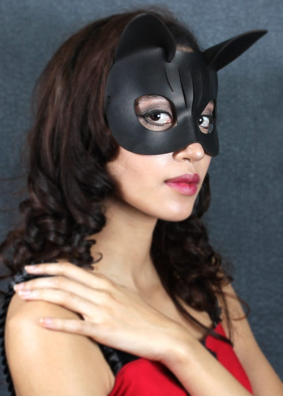 Kitty Halloween Mask in Black Leather