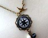 Jamais Perdu in Paris Necklace - Compass Eiffel Tower Necklace