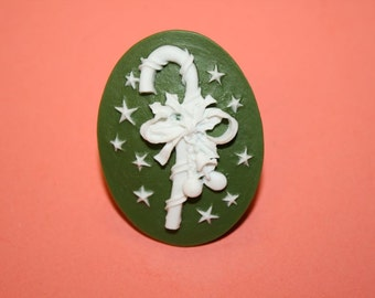 Large Green Candy Cane Christmas Cameo Ring