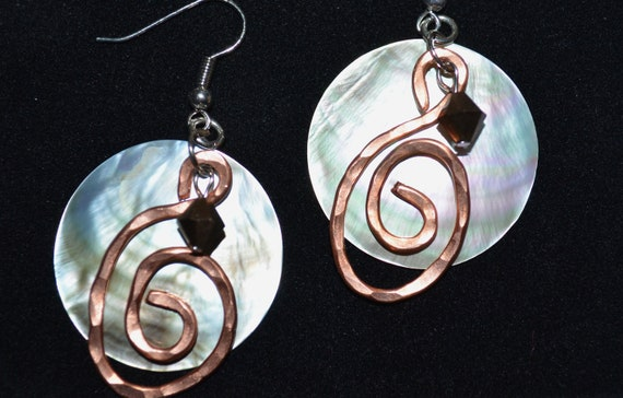 Shell earrings with free form hammered copper design-Hammered Jewelry-bohemian jewelry