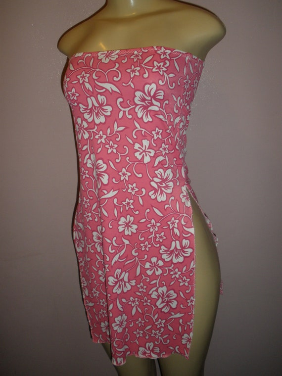 Beautiful Pink and White Flowers Floral Womens Swim Suit Cover Up Size Small, Womens Clothing, Ladies Clothing