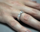 Men's Infinity Ring. Sterling Silver. Modern Contemporary Simple Sleek Elegant Design. Jewellery. Jewelry. Handmade.