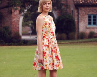 Amy Classic Retro Cotton Round Neck Floral Dress with Pockets