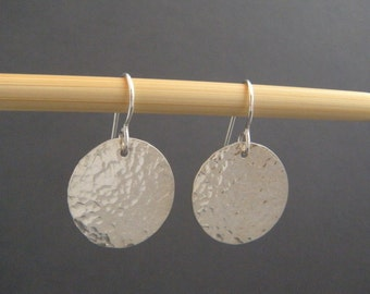 "hammered silver earrings. silver circle earrings. sterling silver dangle. modern jewelry. drop silver earrings. minimalist. 3/4"" circle"