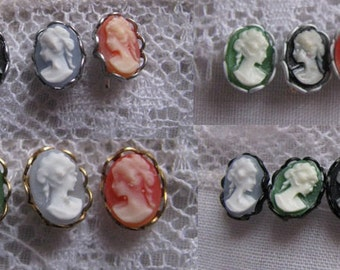 Tiny Doll Cameo Brooch Pin Doll Jewelry 4 Colors 4 Setting Colors fits many sized dolls Fashion Dolls