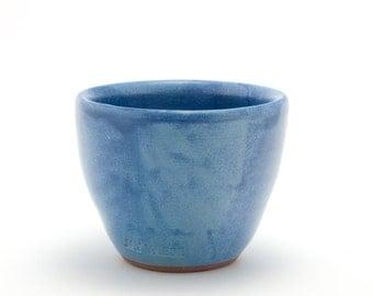 Small yunomi tea cup (blue)