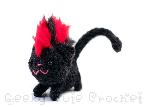 Mohawk Kitty Amigurumi - Red Black Mohawk