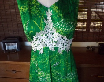 Vintage Vibrant Green Batik style Lace embelleshed Hippie Boho Hostess Maxi Dress M