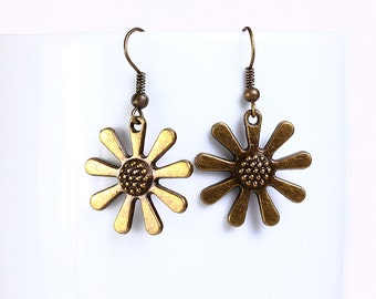 Flower antique brass drop earrings (542) - Flat rate shipping