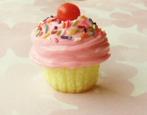pink frosted home made cupcake polymer clay magnet strawberry