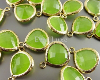 2 peridot opal green glass pendants, drops with gold bezel frame, glass charms 5064G-PEO-13 (bright gold, peridot opal, 13mm, 2 pieces)
