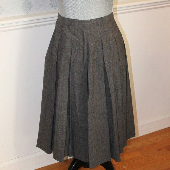 vintage 1950s grey wool pleated skirt by scdvintage on etsy