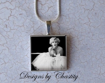 Marilyn Monroe Domed Glass Pendant Charm Necklace - 1 inch