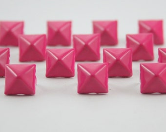 50 pcs. Shocking Pink Pyramid Prong Studs Rivets Biker Spikes spots nailheads Decorations Findings 9 mm. PS9 CK