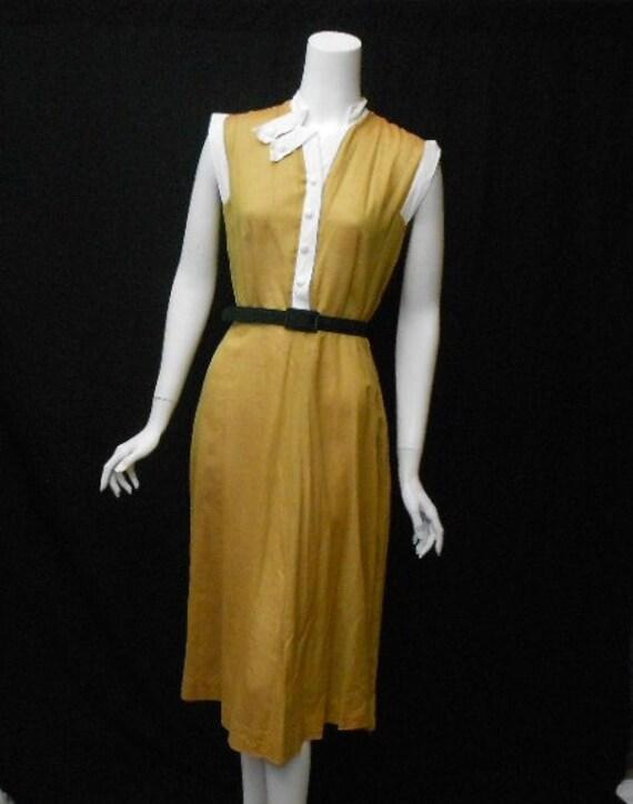 1940s Day Wear: Vintage 1940s Day Dress WWII Era Mustard Gold Dress Large XL