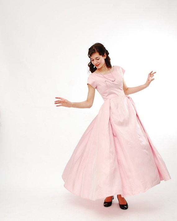 Clearance - Vintage 1960s Prom Dress - 60s Bridesmaid Dress - Ballet Pink