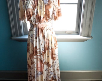 DREAMY vintage FLUTTER sleeve MAXI dress... romantic flowers