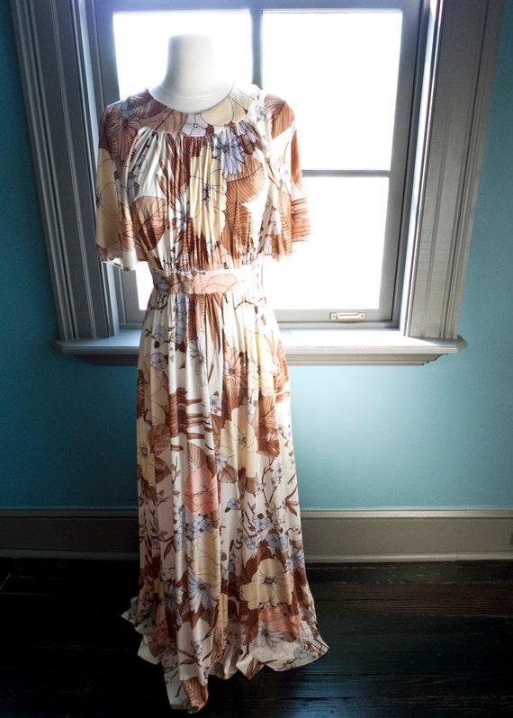 DREAMY vintage FLUTTER sleeve MAXI dress... romantic flowers