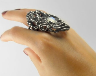 EYE of THE STORM Sterling Silver Ring with Rainbow Moonstone