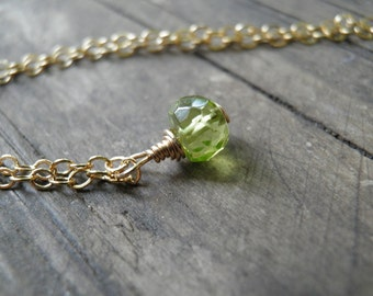 Tiny Peridot Necklace, Minimalist Necklace, Simple Necklace, Green Necklace ,14K Gold Filled, August Birthstone Necklace, Spring Fashion
