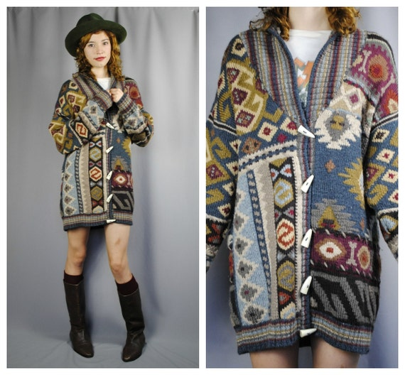 Vintage ETHNIC Patterned Cozy CARDIGAN.