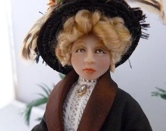 Edwardian Lady - dollhouse miniature
