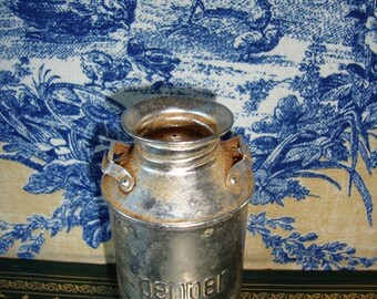 Aluminum Salt or Pepper Shaker Spice Container Metal Container Vintage Kitchen Serving Cooking Made in Japan