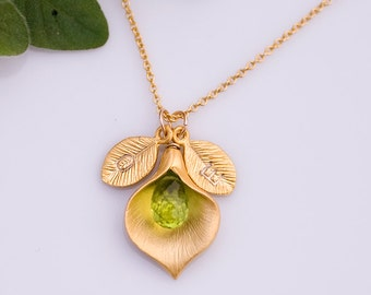 August Green Peridot Personalized Birthstone Necklace - Custom Initial Jewelry  - Personalized necklace - Calla Lilly Necklace