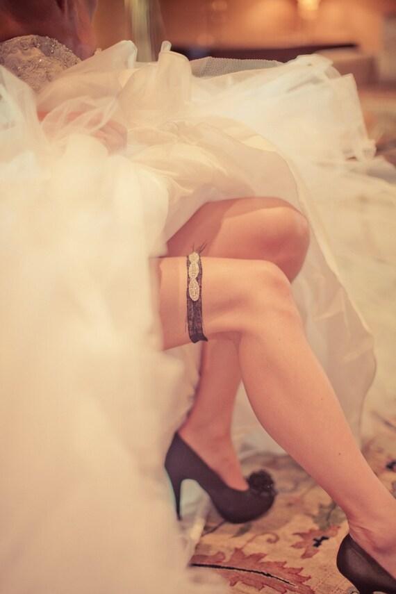 Black Bridal Garter - Rhinestone Garter - Crystal Rhinestone Garter - Wedding Garter Black or White - Wedding Garter - Gift for Bride