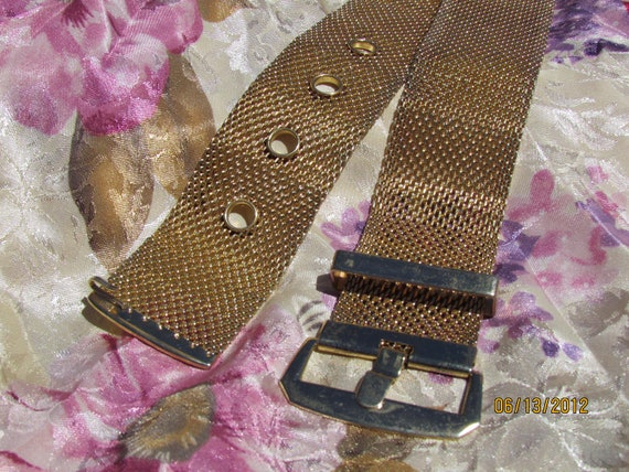 ON SALE 80's Glam Gold Tone Mesh Metal Belt Waist Size 26 to 30
