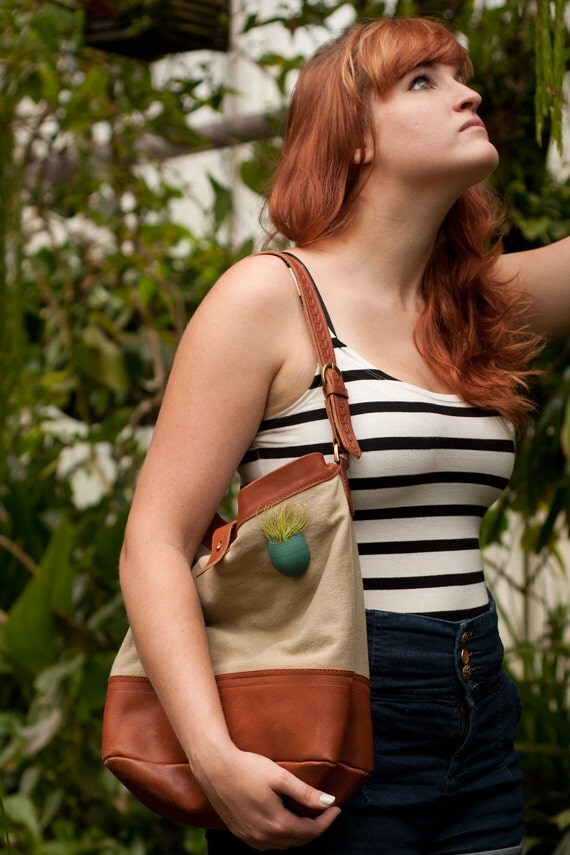 A Planter for Your Tote in Teal: A Wearable Planter