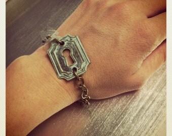Vintage Inspired Mint Patina Keyhole Bracelet