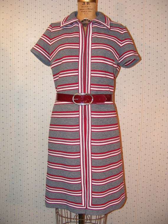 Vintage 1960s Dress Shift Style Polyester Corduroy Grey Maroon Stripe Fashion Frock Wide Belted Waist Vintage Clothing Mod / Hippie Lg