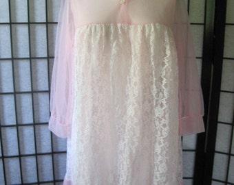 Vintage 1950s Sheer Short Negligee Robe Light Pink White Lace Bathrobe 3/4 Sleeve Peter Pan Collar Medium Large 36 Pastel Babydoll