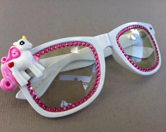 Rave Light Show Glasses - white Unicorn with pink rhinestones