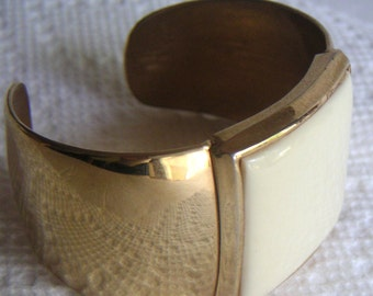 Vintage Avon Brass Cuff with Lucite Square.  Costume Jewelry,Bracelet,Bangle. FREE Shipping