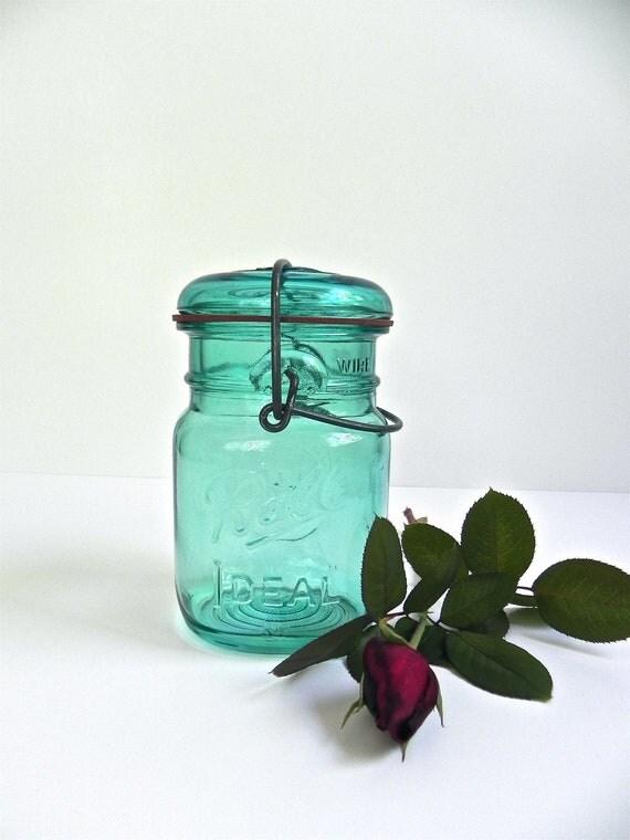 Ball Blue Bicentennial Pint Jar