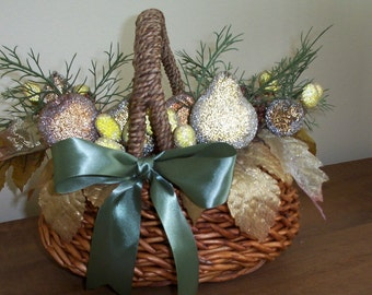 Holiday Natural Fiber Small Basket with Sparkly Fruit and Green Satin Ribbon