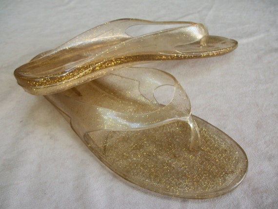 Women's sandals, jelly shoes, flip flops, clear with gold glitter, women's size 6.