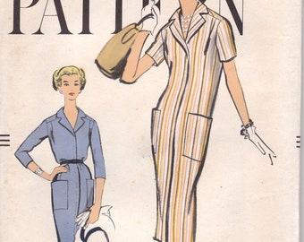 60s Simple Sheath Dress Pattern Vogue 9425 Size 12