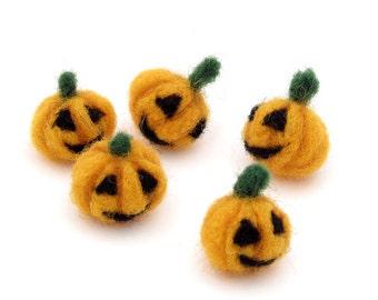 Needle felted Jack o Lanterns - Halloween decoration - Felt carved pumpkins smiling pumpkin
