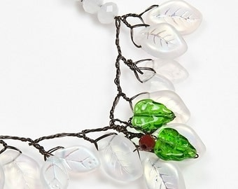 White Red Green Bead Necklace, Christmas  Necklace, Glass Leaf Necklace, Holiday Necklace,