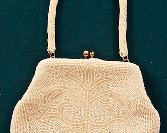 vintage 1950s white beaded fancy evening/party purse abstract deco floral